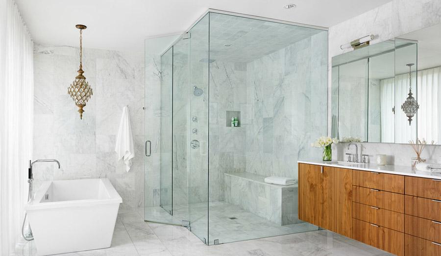 Преимущества стеклянных душевых кабин в ванной