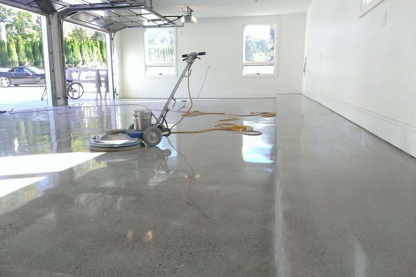 Какое техобслуживание необходимо для полированного бетонного пола